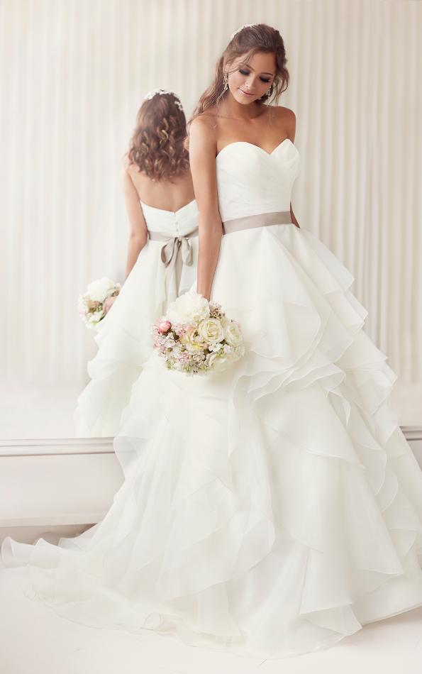38cac3cc3ee Свадебные платья  цены и стоимость в Новосибирске. Где можно ...